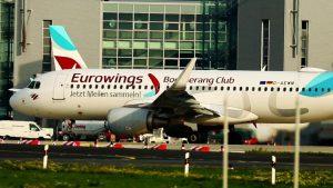 Flughafen Düsseldorf Fluzeugstarts und Flugzeuglandungen