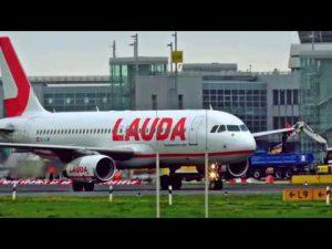 Flugzeug landung auf Flughafen Düsseldorf