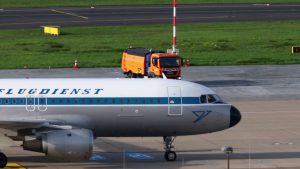 Planespotting 2019 auf Düsseldorf Flughafen mit A380 und Condor mit Retro Liver