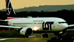 Düsseldorf Flughafen – Flugzeuge beim starten und landen