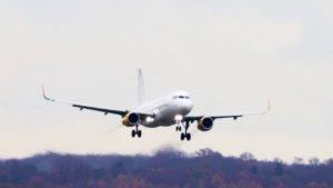 EC-MOG Vueling Airbus A320-232WL Flugzeug Landung