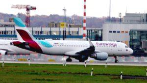 Flugzeug Flughafen Düsseldorf – Start Landung von Flugzeugen