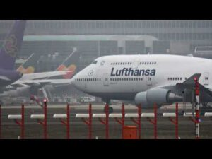 Airport Frankfurt Germany – Flugzeuge auf dem Flughafen Frankfurt