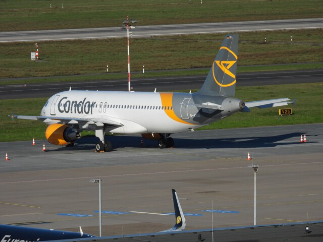 D-AICR-Condor-Airbus-A320-214